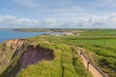 Południowa Devon wybrzeża ścieżka w kierunku Thurlestone Południowy Devon Anglia UK od nadziei zatoczki Zdjęcia Royalty Free