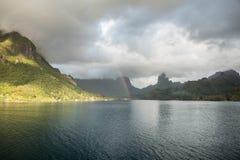 Południowa Pacyficzna wyspa 1 i tęcza Obrazy Stock