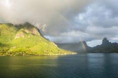 Południowa Pacyficzna wyspa 2 i tęcza Zdjęcie Stock