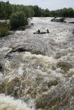 południowa pluskwy rzeka dzień lasowej wiosna podmiejski spacer Obrazy Stock