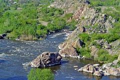 południowa pluskwy rzeka dzień lasowej wiosna podmiejski spacer Fotografia Royalty Free