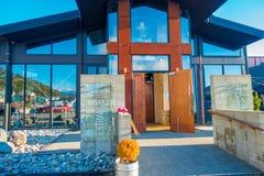 POŁUDNIOWA wyspa, NOWY CC$ZEALAND MAY 25, 2017: Budynku wejście nowożytna piwna fabryka, monteiths piwna fabryka, południowa wysp Obrazy Stock