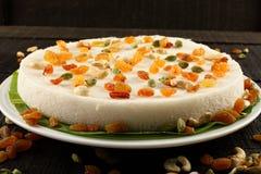 Południowego Indiańskiego tradycyjnego vattalappam słodka ryżowa mąka i kokosowy tort, fotografia stock