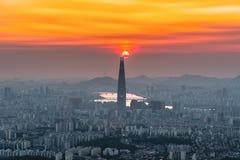Południowego Korea linia horyzontu Seul najlepszy widok Południowy Korea z Lotte światowym centrum handlowym przy Namhansanseong  Obraz Stock