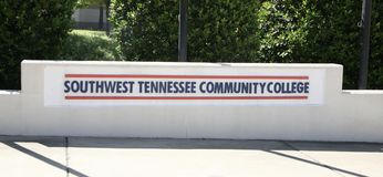 Południowo-zachodni Tennessee college społecznego znak obraz stock