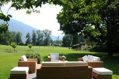 Południowy Szwajcaria: Gigantyczny park luksusowego hotelu Castello d obrazy royalty free