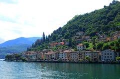 Południowy Szwajcaria: Morcote przy Jeziornym Lugano w Ticino od cruiseship widzieć obrazy royalty free