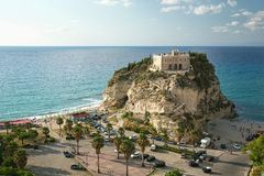 Południowy Włochy, teren Calabria, kościół Tropea miasto obrazy royalty free