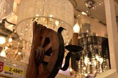 Połysk i lampy eksponujący w sklepie dla sprzedaży Obraz Royalty Free