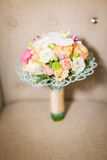 Poślubiać kwiaty i piękną pierścionek dekorację Zdjęcie Stock