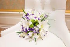 Poślubiać kwiaty i piękną pierścionek dekorację Zdjęcia Royalty Free