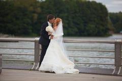 Poślubiać, państwo młodzi, miłość Zdjęcia Royalty Free