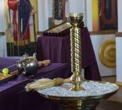 Poślubiać w rosyjskim kościół Zdjęcia Stock