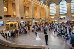 Poślubiać w Uroczystej centrali staci Obraz Stock