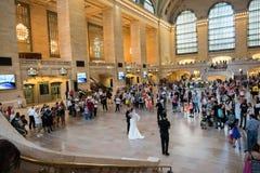 Poślubiać w Uroczystej centrali staci Fotografia Royalty Free