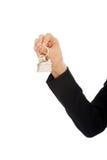 Pośrednik handlu nieruchomościami ręka daje kluczom mieszkanie Fotografia Stock