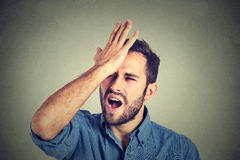 Pożałowania krzywdzą robić Mężczyzna ma moment duh Zdjęcia Stock