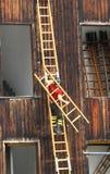 Pożarnictwo Usługuje tutorial z strażakiem i schodkiem fotografia stock