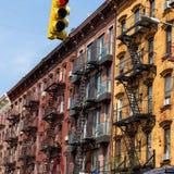 Pożarnicza ucieczka budynek mieszkaniowy w Nowy Jork mieście zdjęcia royalty free