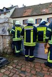 Pożarniczego działu builts zalewają bariery wzdłuż Rhine Zdjęcie Royalty Free