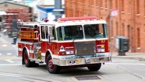 Pożarniczego silnika ciężarówka San Fransisco Pożarniczy dział (SFFD) Obrazy Stock