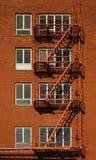 Pożarniczej ucieczki Czerwonej cegły Vertical Zdjęcie Royalty Free