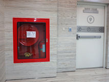 Pożarniczy gasidło z różnorodnymi typ ogień Zdjęcie Royalty Free