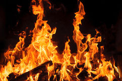 Pożarniczy i drewniany palenie w grabie zamkniętych inżynierii equpments fabryczny wizerunku olej piszczy rafinerię fabryczny Fotografia Royalty Free