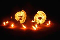 Pożarniczy przedstawienie przy nocą obrazy stock