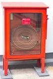 Pożarniczy wąż elastyczny w pudełku Zdjęcie Royalty Free