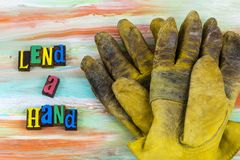 Pożycza ręk rękawiczek pomagać obrazy royalty free