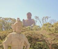 po μοναστηριών lin του Βούδα γιγαντιαίο άγαλμα Στοκ εικόνα με δικαίωμα ελεύθερης χρήσης