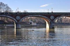 po ποταμός που κωπηλατεί τ&omicr Στοκ εικόνα με δικαίωμα ελεύθερης χρήσης