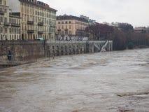 Po ποταμών πλημμύρα στο Τορίνο Στοκ Φωτογραφίες