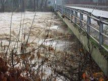 Po ποταμών πλημμύρα στο Τορίνο Στοκ Εικόνες