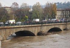 Po ποταμών πλημμύρα στο Τορίνο Στοκ Φωτογραφία