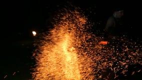 Pożarnicza kobieta w przedstawieniu zdjęcie wideo