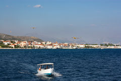 Pożarniczego boju samoloty w Croatia Obrazy Royalty Free