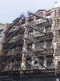 Pożarniczej ucieczki schody na fasadzie dom Fotografia Stock