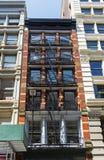 Pożarniczej ucieczki schody na fasadzie dom Zdjęcia Royalty Free