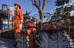 Pożarniczy wojownicy wtyka poczta podczas wakacji zdjęcie stock