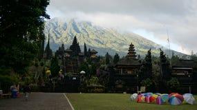 Po deszczu w Besakih świątyni (Macierzysta świątynia w Bali) Fotografia Royalty Free