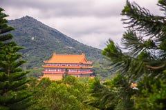 Po Lin το μοναστήρι είναι ένα βουδιστικό μοναστήρι, στο οροπέδιο μεταλλικού θόρυβου Ngong, Στοκ Εικόνες