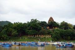 Po Nagar πύργοι στο λόφο Στοκ Εικόνες