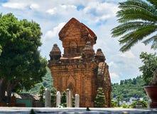 Po Nagar Cham πύργοι σε Nha Trang, Βιετνάμ Παλαιά reiligous κτήρια από την αυτοκρατορία Champa Στοκ Εικόνες