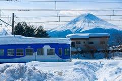 Po Snowstrom Mt Fuji w zimie, Japonia Fotografia Royalty Free