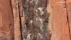 Po tym jak niedawna śnieżna burza w Zion parku narodowym ten siklawa no miał dużo wodnego nadchodzącego puszka ale co przychodził zdjęcie wideo