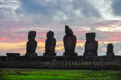 Po zmierzchu przy Ahu Tahai, Wielkanocna wyspa, Chile Zdjęcie Stock