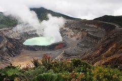 Poas火山火山口的湖 免版税图库摄影