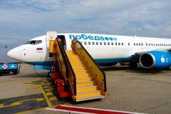 Pobeda της ρωσικής αερογραμμής προϋπολογισμών αεροσκαφών Στοκ φωτογραφίες με δικαίωμα ελεύθερης χρήσης